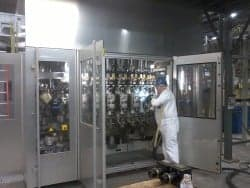Starr technician Co2 Cleaning Sidel Plastic Blow Mold